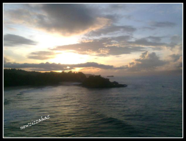 sunrise 1, matahari masih terutup mendung