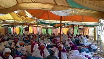 Jemaah-haji-Indonesia-di-kemah-Arafah-Jumat-3-Oktober-2014.