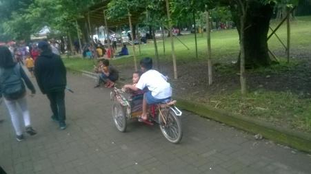 sewa becak kecil